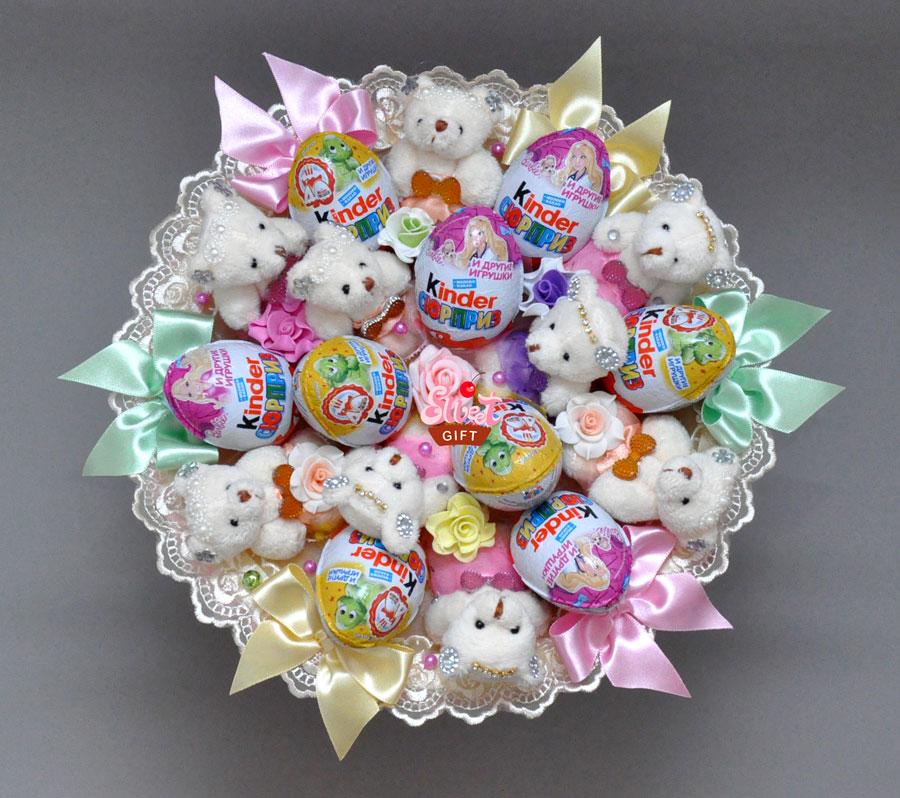 Детские букеты из конфет и игрушек своими руками