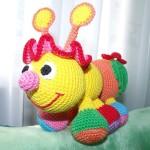 Веселая пчелка крючком