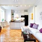 Фото 21: Светлая кухня, совмещённая с гостиной