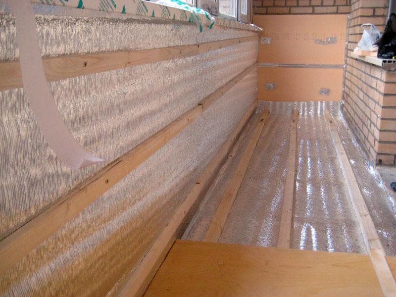 Отделка внутренних поверхностей балкона
