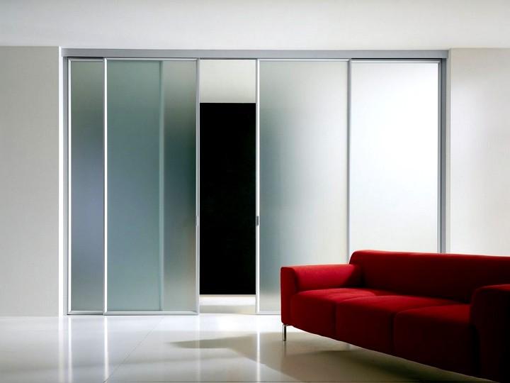 Стеклянные раздвижные двери в интерьере фото