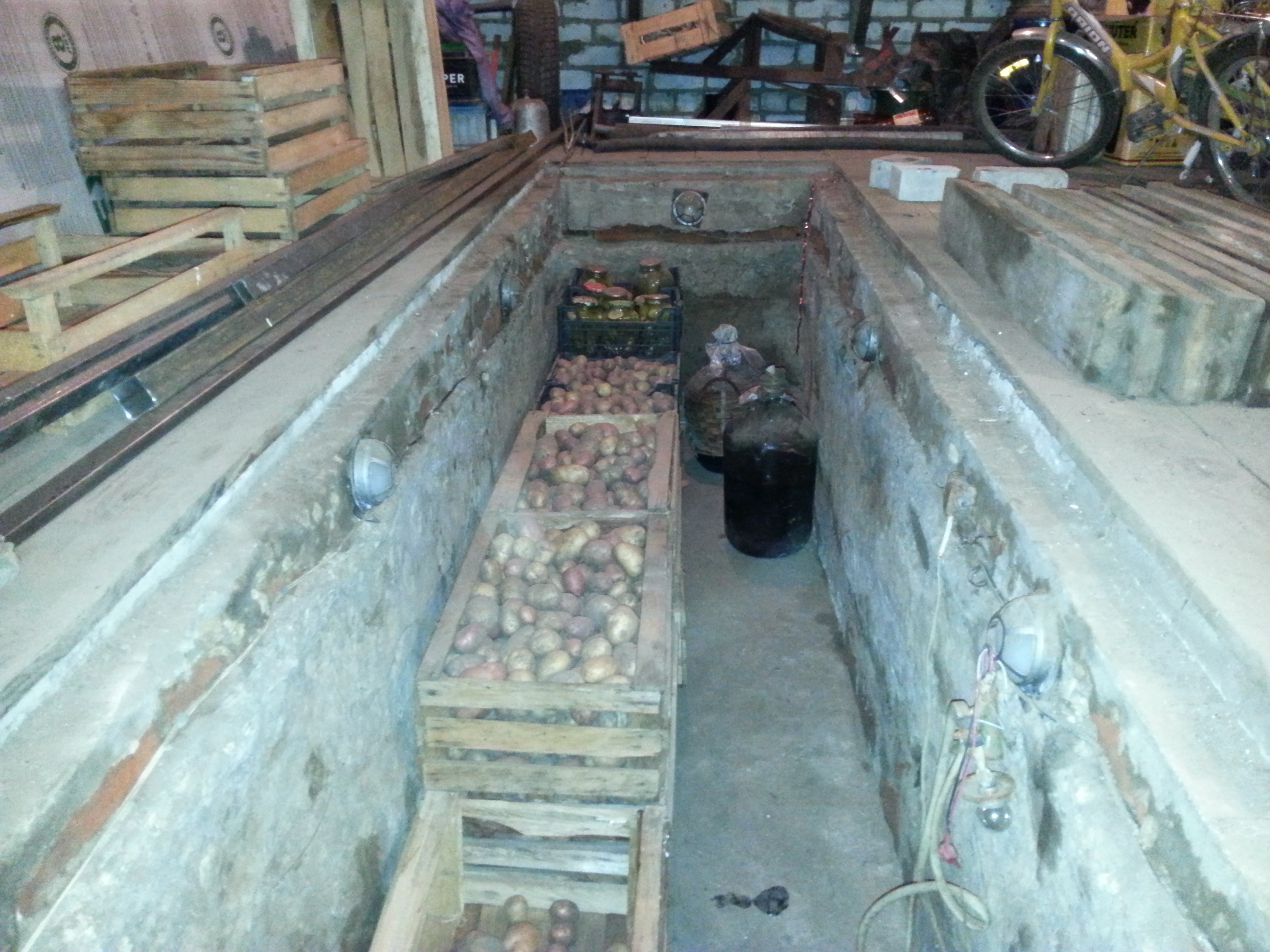 Как сделать картофельную яму 948