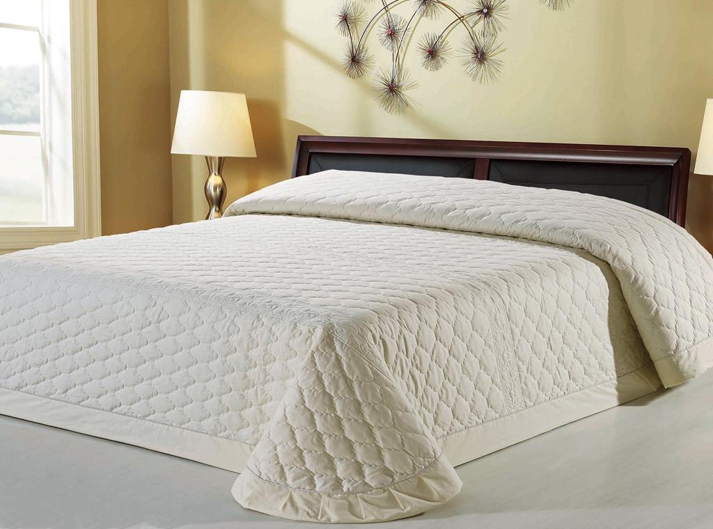 Покрывала на кровать для спальни своими руками 72