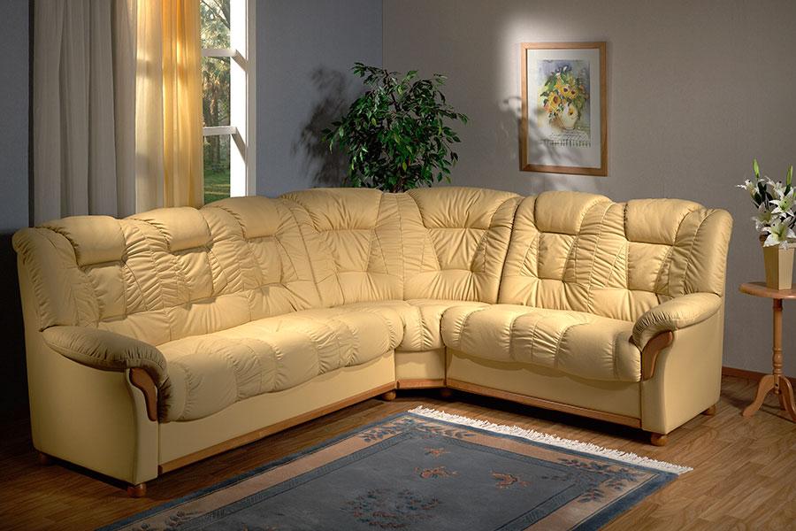 Удобный кожанный диван