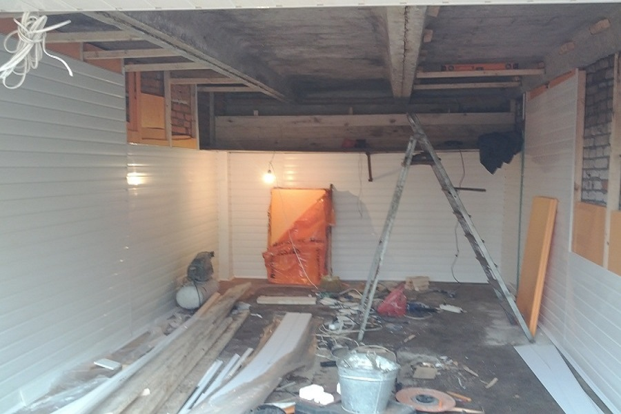 Как утеплить потолок на балконе своими руками: 3 материала