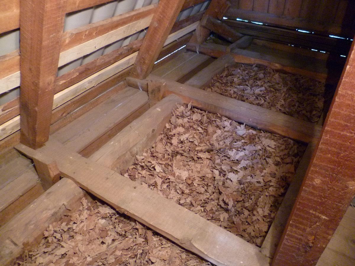 Утепление потолка деревянного дома своими руками видео