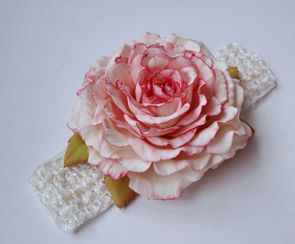 Роза в качестве украшения на голову