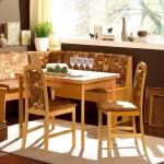 Фото 3: кухонные уголки со столом и стульями