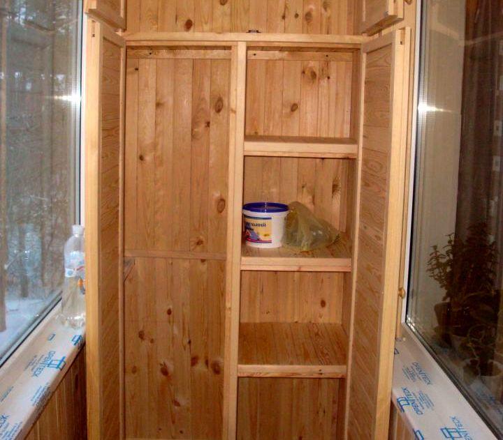 Отделения в шкафу для крупных и мелких вещей