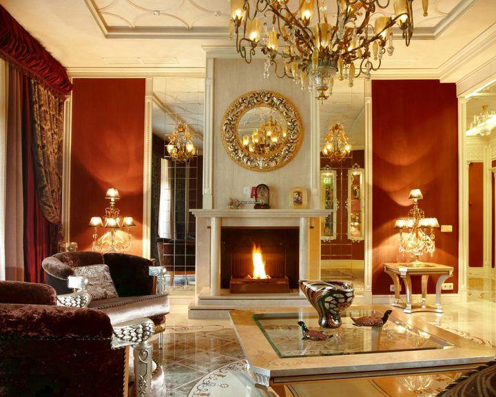 Обязательный атрибут классической гостиной камин