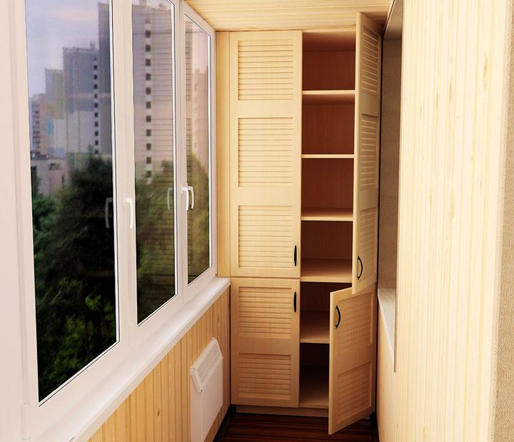 Традиционные распашные двери в шкафу на балконе