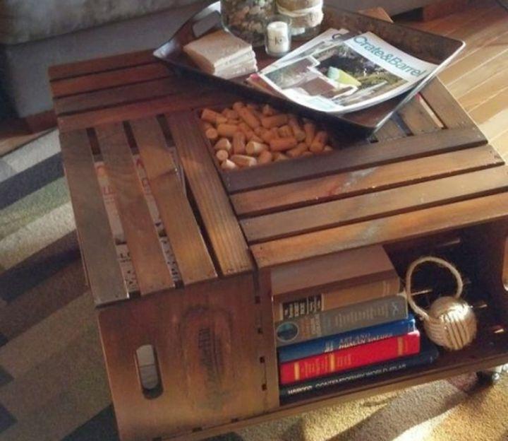 Привлекательный предмет интерьера из обычного деревянного ящика