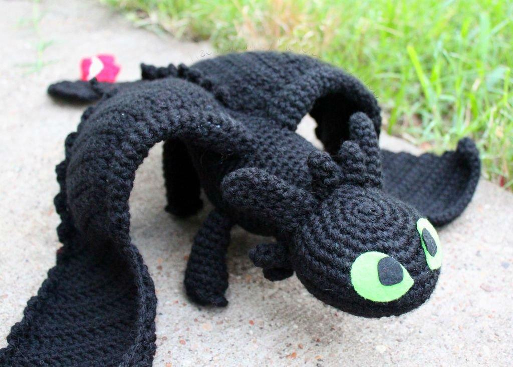 Вязаная игрушка -дракончик