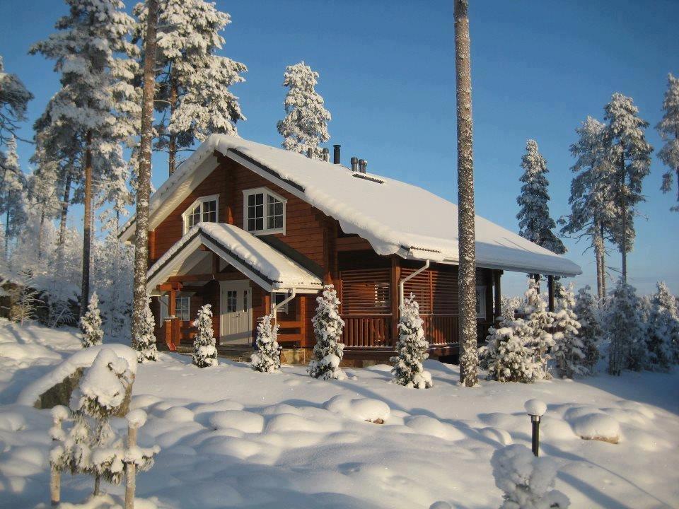 Деревянные дома зимой