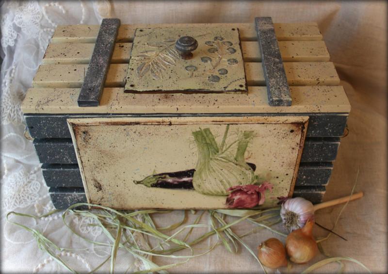 Хранение овощей в деревянном ящике