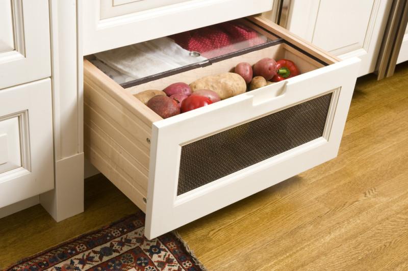 Нижний ящик для хранения овощей