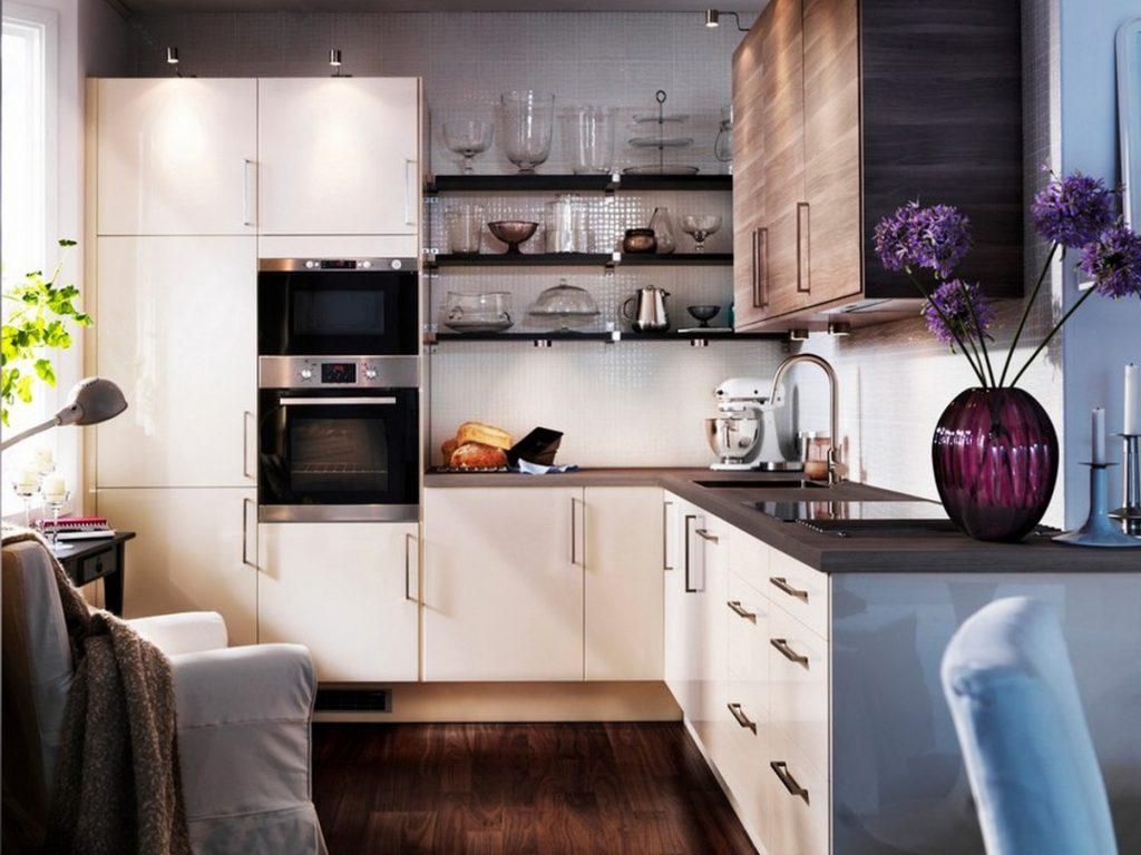 Удобство маленького кухонного гарнитура
