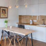 Фото 78: Маленький гарнитур для кухни-гостиной