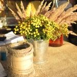 Фото 29: Украшение стола пижмой