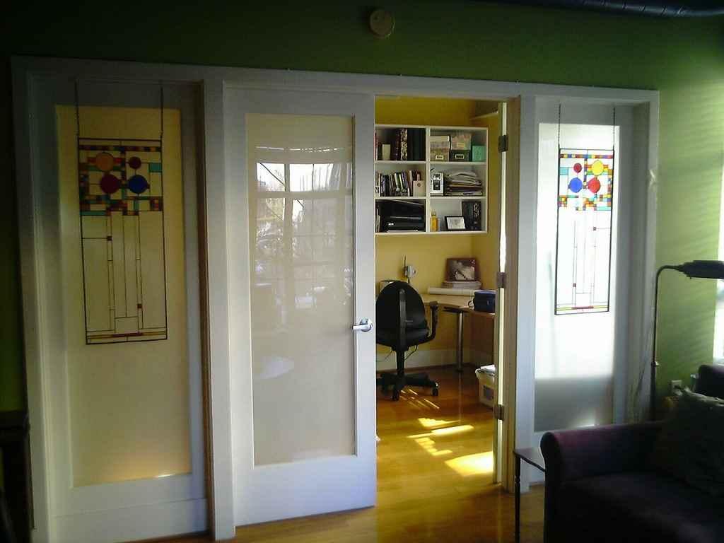 Раздвижные двери в маленькой квартире
