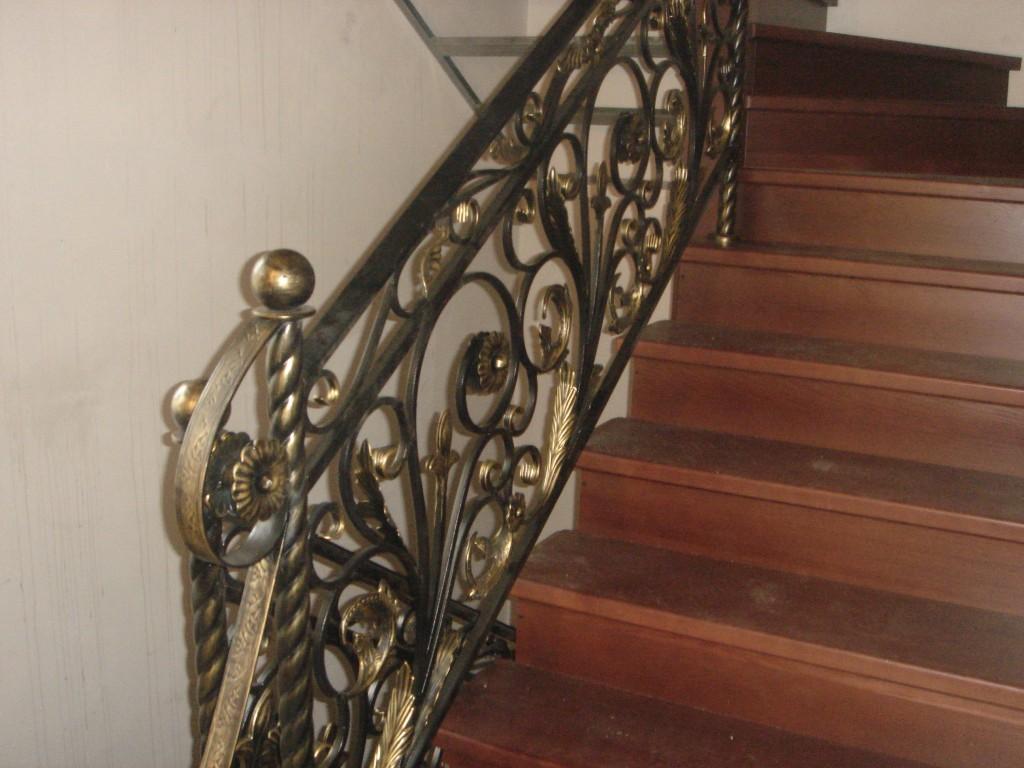 Кованые лестницы для дома фото