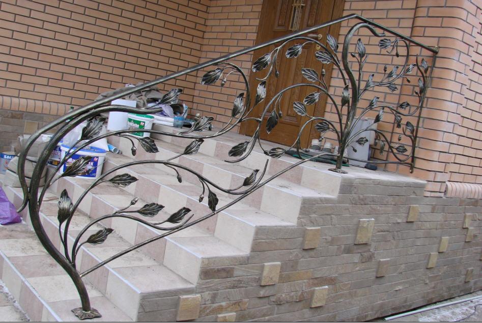 Перила на лестницу фото