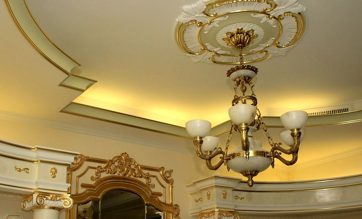 Шикарная отделка потолка