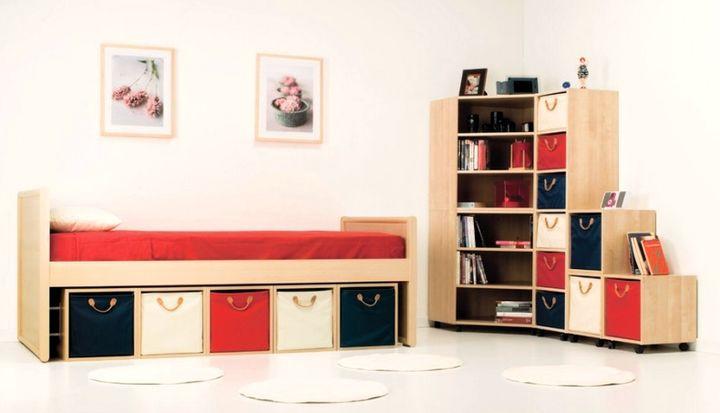 Ящики сочетающиеся с интерьером комнаты