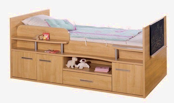 Удобный комод в кострукции с кроватью