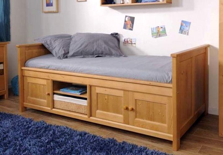 Кровать с рапашными ящиками