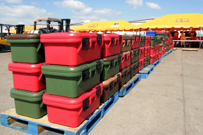 Большие герметичные непрозрачные контейнеры