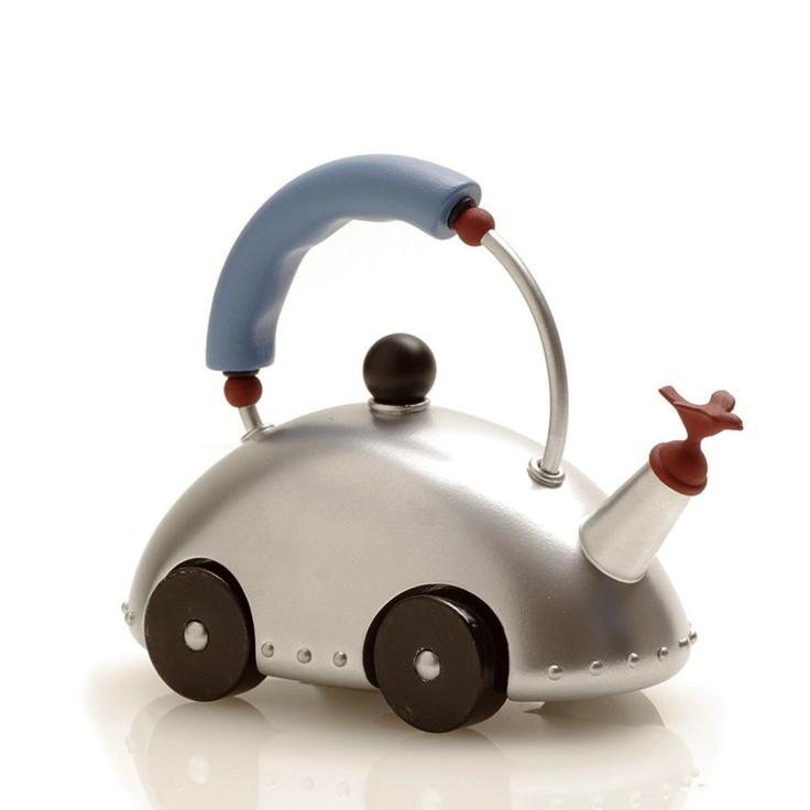 Фото 10: Чайник в виде машины со свистком