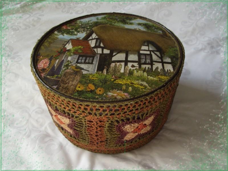 Фото 11: Декор коробки крючком и росписью