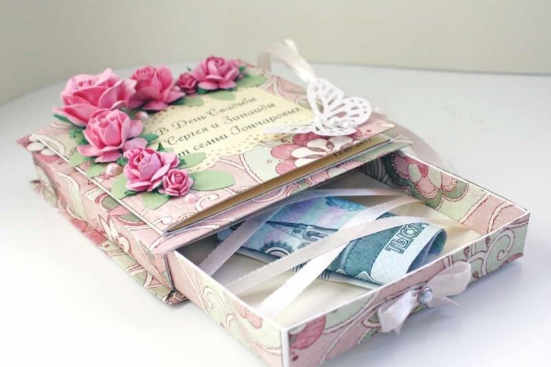 Фото 15: Декор свадебной коробочки для дарения денег