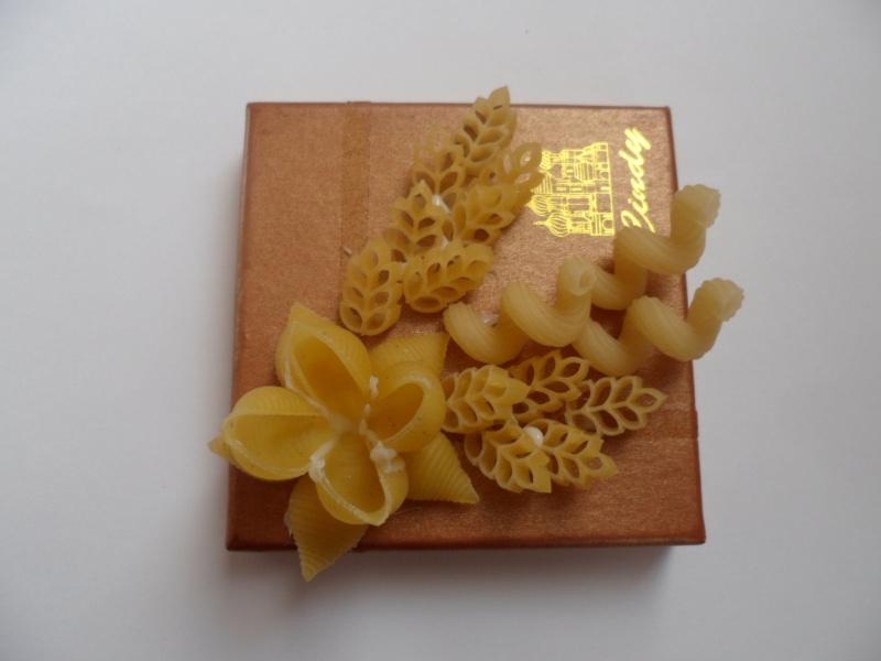 Фото 10: Декор коробки мокоронами