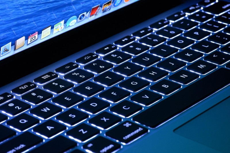 Фото 22: Голубая подсветка клавиатуры