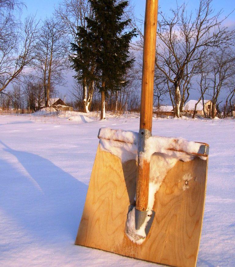 Фото 14: Деревянная лопата из фанеры