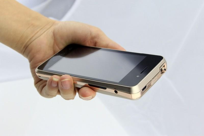 Фото 17: Мобильный мини-проектор