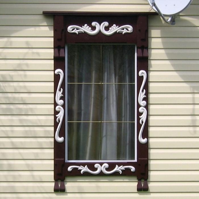 Наличники для вертикального окна с небольшим узором