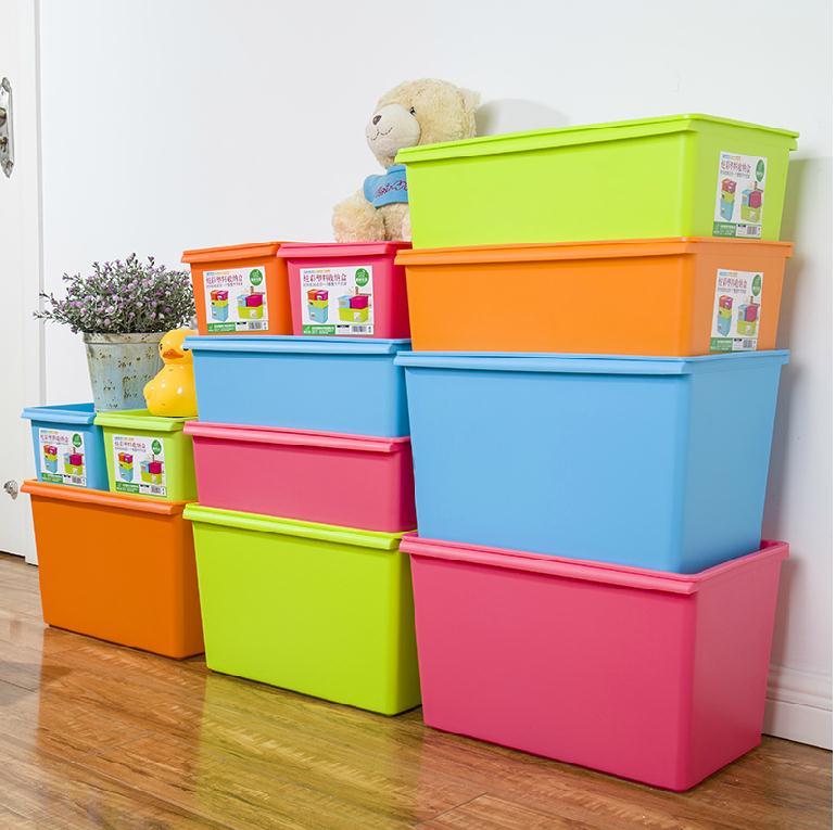 Пластиковые контейнеры для детской