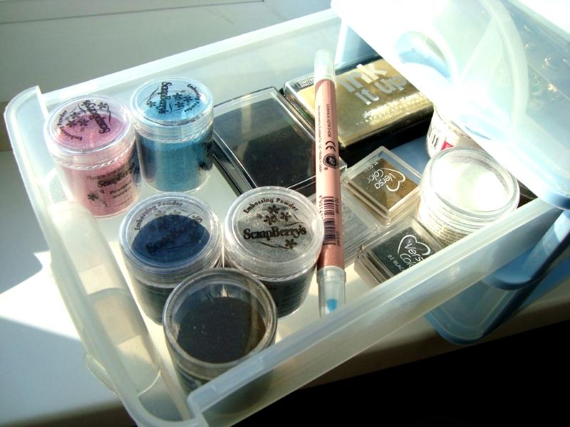 Пластиковые контейнеры для хранения косметики