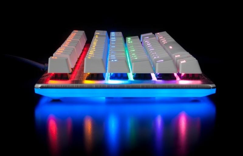 Фото 28: Подсветка клавиатуры вид сбоку