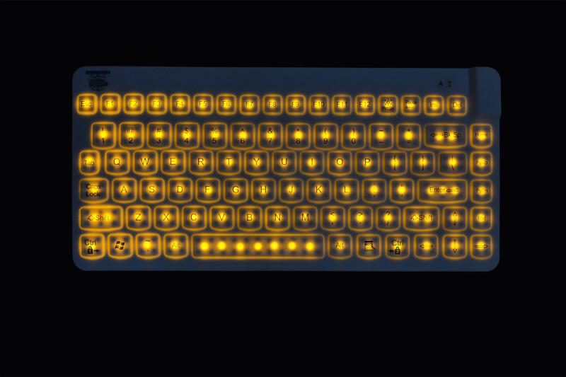 Фото 31: Желтая подсветка клавиатурыы