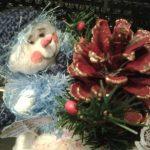 Фото 9: Поделки из шишек снеговик