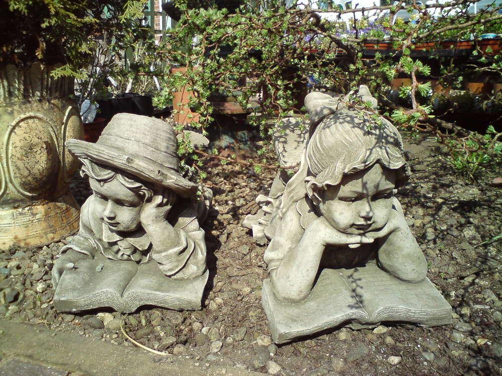 Фигурки для сада своими руками из бетона Мальчик и Девочка