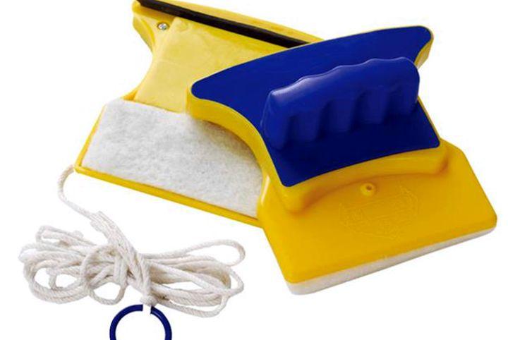 Конструкция магнитной щетки для мытья окон