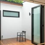 Фото 14: Темный 50-летний дом в Сингапуре преображается