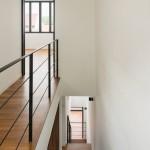 Фото 21: Темный 50-летний дом в Сингапуре преображается