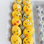 Фото 44: Украшение яиц в виде смайликов