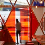 Рамен-бар, соединияющий современный дизайн с японской уличной культурой